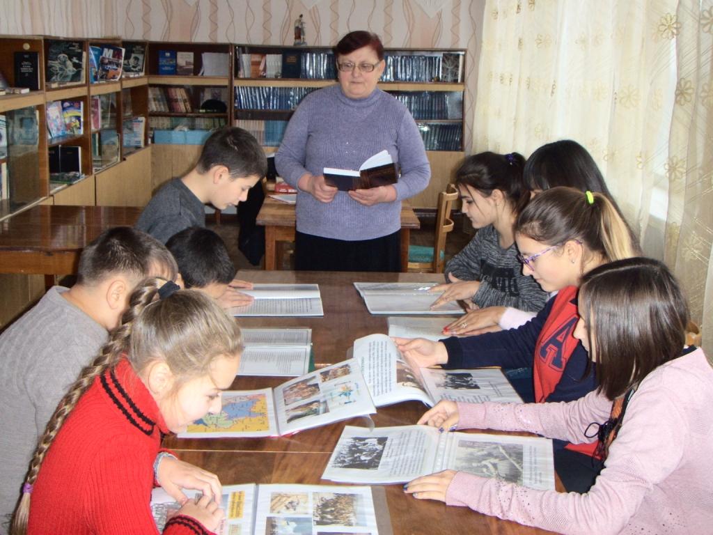 http://ivanivka-osvita.ucoz.ru/3/11/HPIM4887.jpg