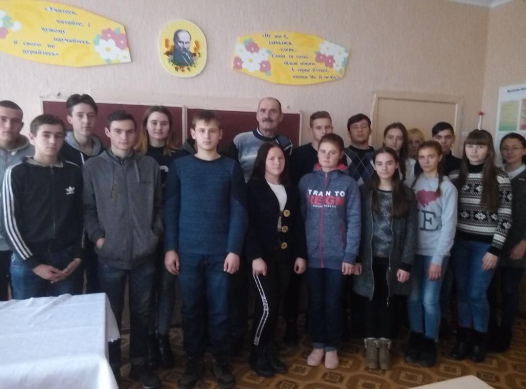 http://ivanivka-osvita.ucoz.ru/3/11/P81212-132427.jpg